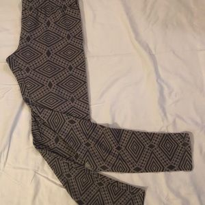 Gray Geometric Leggings